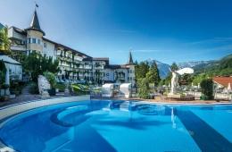 posthotel-achenkirch-aussenansicht-pool