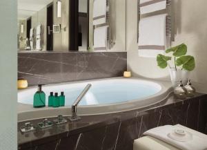 hotel-savoy-lausanne-badewanne