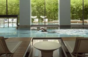 hotel-savoy-lausanne-pool